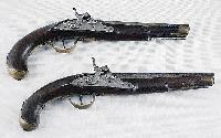 Fot. katalog aukcji Rempex; Para pistoletĂłw XVIII/XIX w, niesprzedane