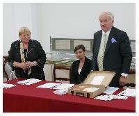 Fot. GJ; Przekazanie zbioru polonikĂłw-daru dla muzeum